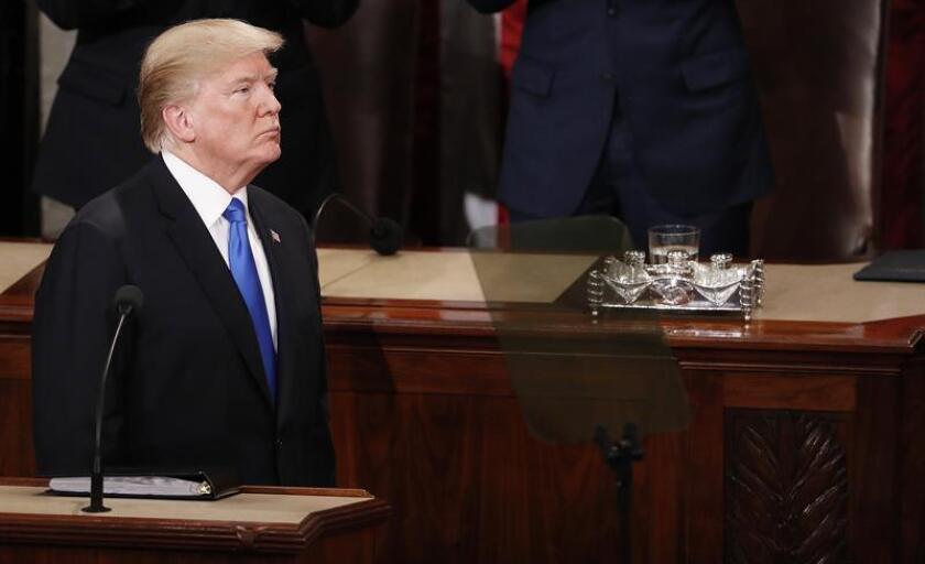 El presidente estadounidense, Donald Trump, prometió hoy que este año impulsará una reforma de las prisiones en EE.UU. para facilitar la reinserción de los exconvictos, aunque no dio más detalles sobre sus planes al respecto. EFE