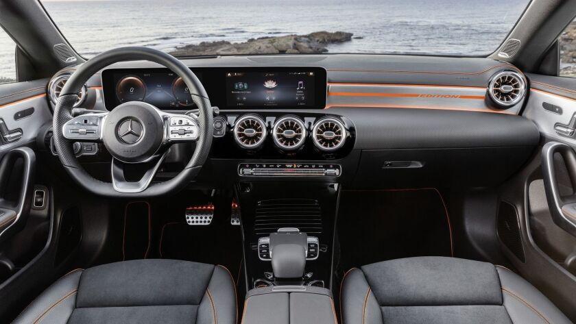 Mercedes-Benz CLA, Edition Orange Art, AMG Line, kosmosschwarz // Mercedes-Benz CLA, Edition Orange