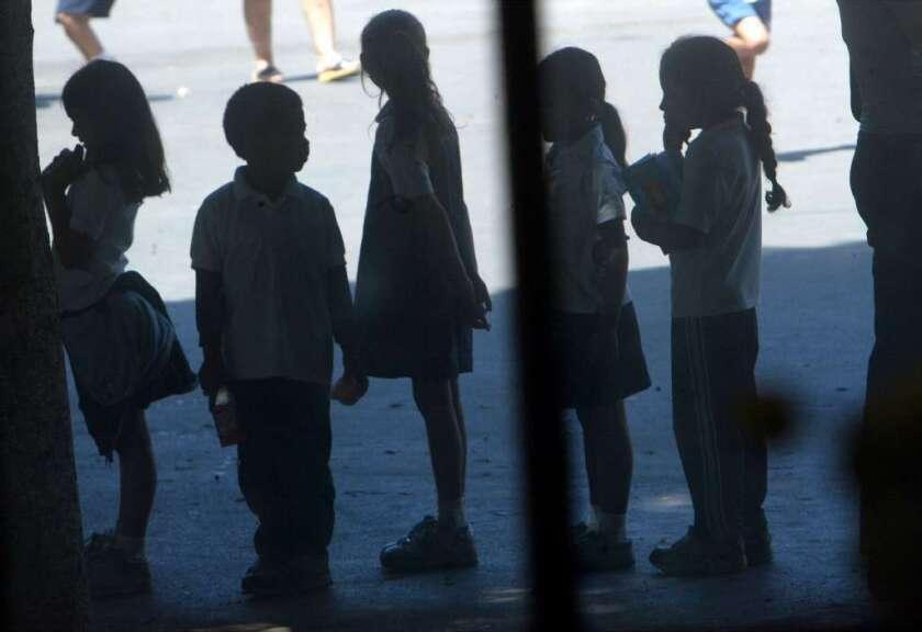 Casi 2 mil casos de abuso de niños en Los Ángeles: Urgen reportar a las autoridades
