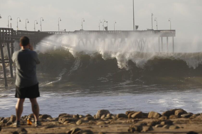 la-high-surf-la0033354350-20160107