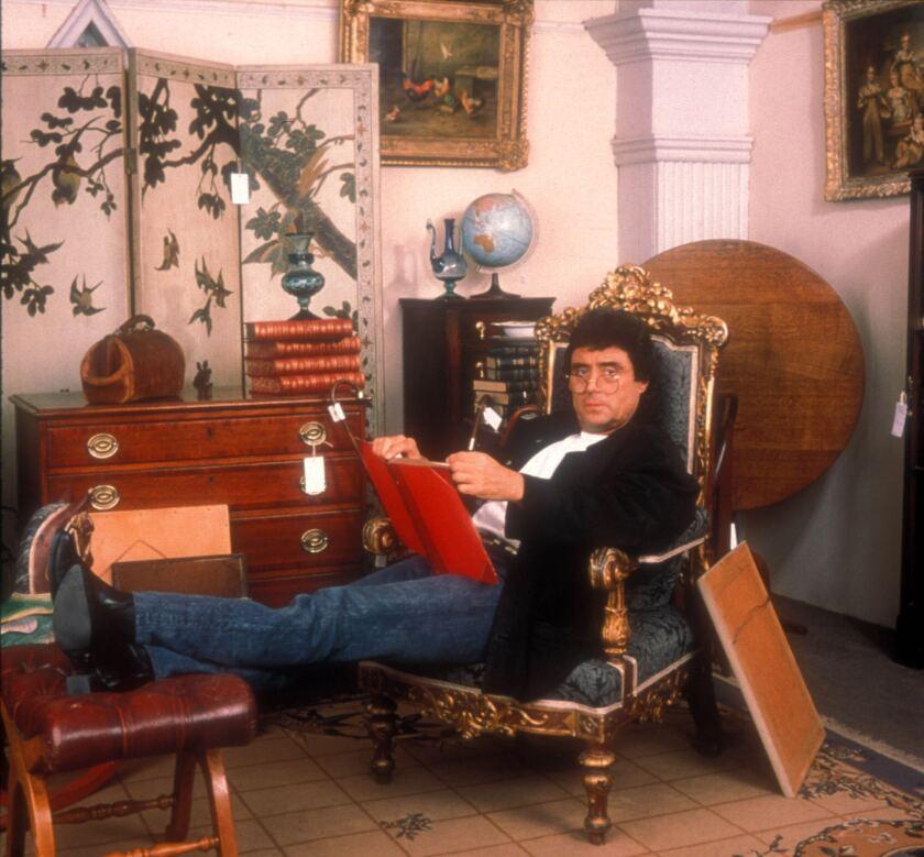 """Ian McShane in """"Lovejoy."""""""