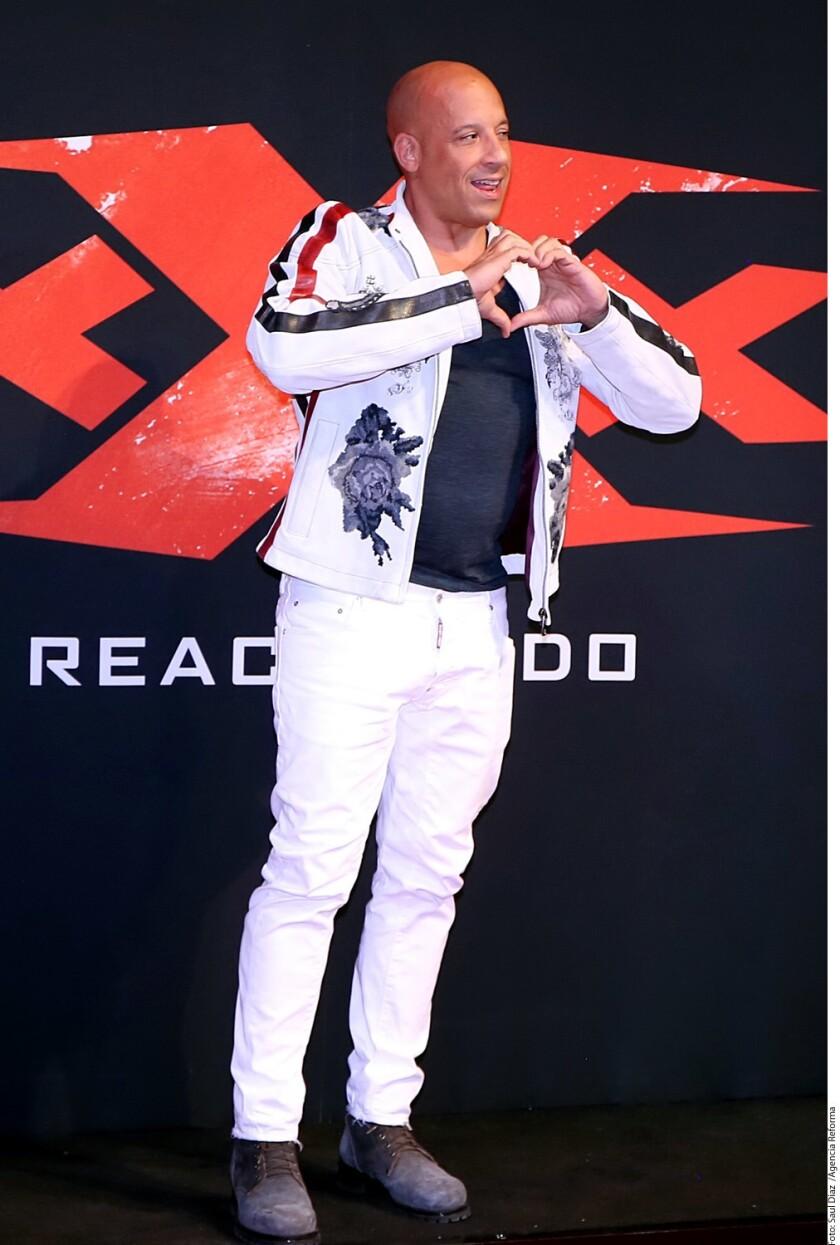 Vin Diesel encendió los ánimos de los cinéfilos mexicanos con su presencia en la premier mundial de xXx: Reactivado ayer por la noche en el Auditorio Nacional.