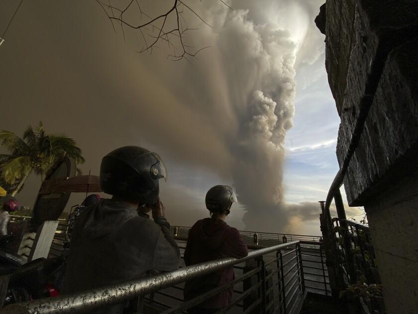 Philippines Volcano Photo Gallery