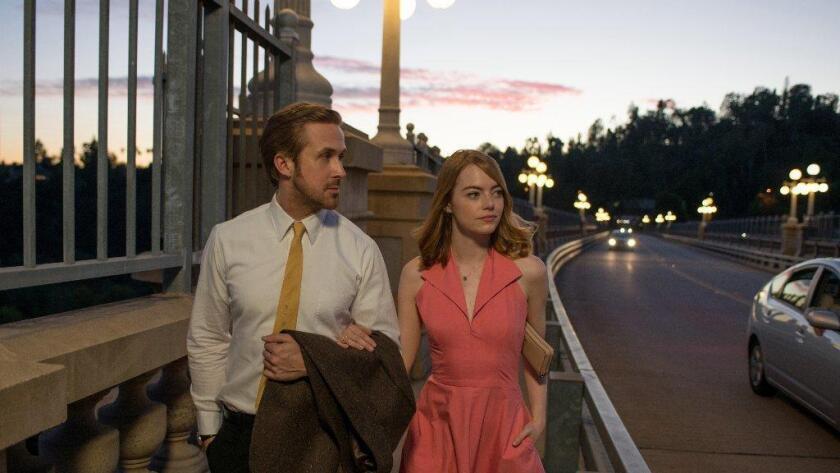 Ryan Gosling y Emma Stone en 'La La Land', película que ganó más nominaciones hoy martes. Dale Robinette / Lionsgate
