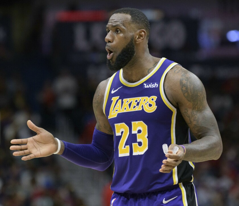 APphoto_Lakers Pelicans Basketball