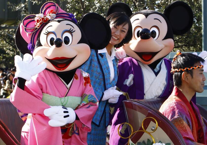 Tokyo Disneyland y DisneySea no atenderán al público hasta el 15 de marzo.