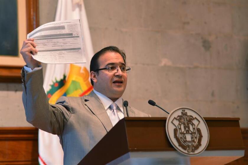 Las autoridades mexicanas detuvieron al exsecretario de Seguridad Pública del oriental estado de Veracruz Arturo Bermúdez Zurita, una de las principales figuras de la administración pasada, por el presunto delito de enriquecimiento ilícito, informaron hoy fuentes oficiales. EFE/ARCHIVO