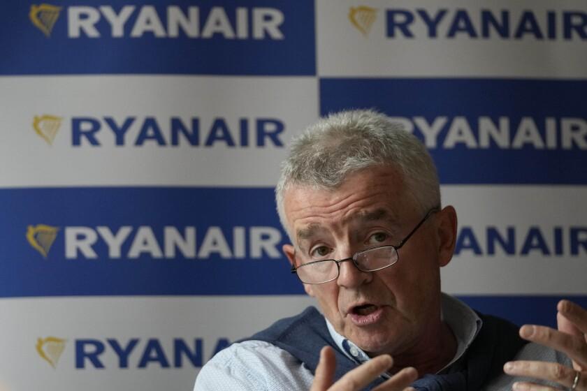 El director general de Ryanair, Michael O'Leary, habla durante una conferencia de prensa en Londres, el martes 31 de agosto de 2021. (AP Foto/Frank Augstein)