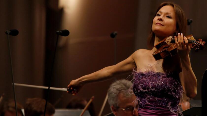 Arabella Steinbacher performs Mozart's Violin Concerto No. 5.