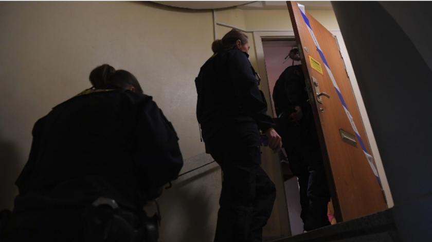 Una madre en Suecia fue arrestada bajo sospecha de encerrar a su hijo