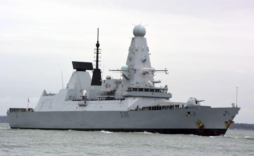 Fotografía de archivo del 20 de marzo de 2020 del buque de guerra HMS Defender en Portsmouth, Inglaterra. (Ben Mitchell/PA vía AP, Archivo)