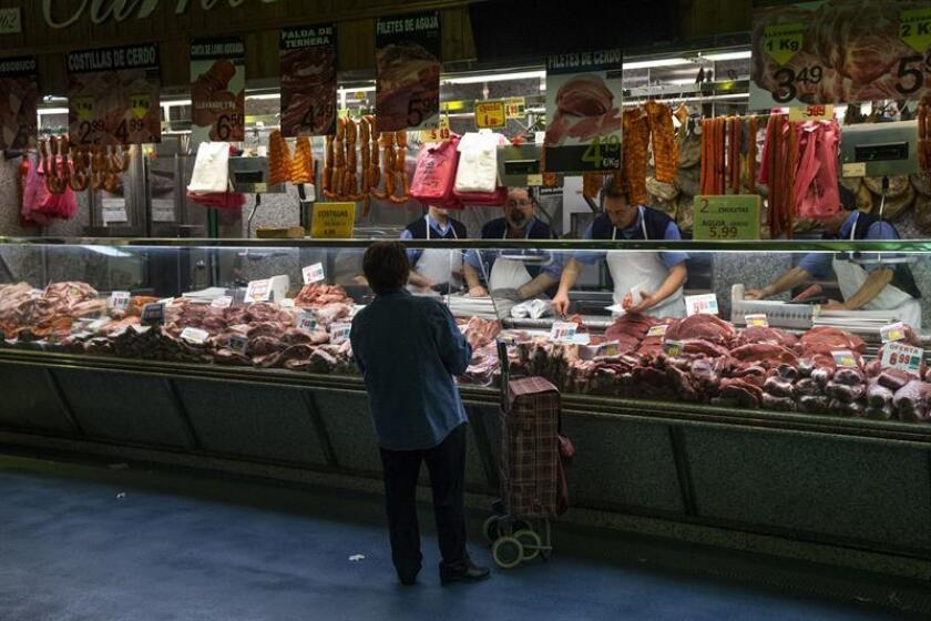 En la foto, una carnicería en el mercado Maravillas en Madrid. EFE/Archivo