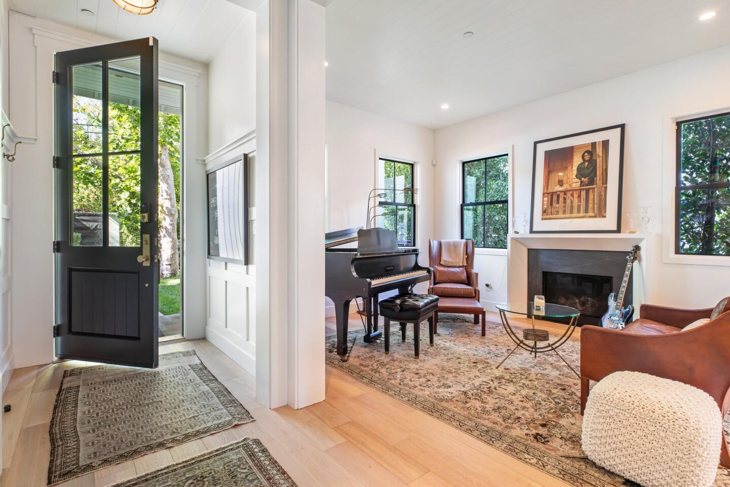 Joe Jonas' Sherman Oaks home | Hot Property