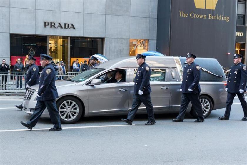 La ciudad de Nueva York despidió hoy a uno de sus héroes locales, el policía Steven McDonald, que falleció esta semana después de haber pasado los últimos treinta años en una silla de ruedas víctima de un tiroteo en Central Park. EFE