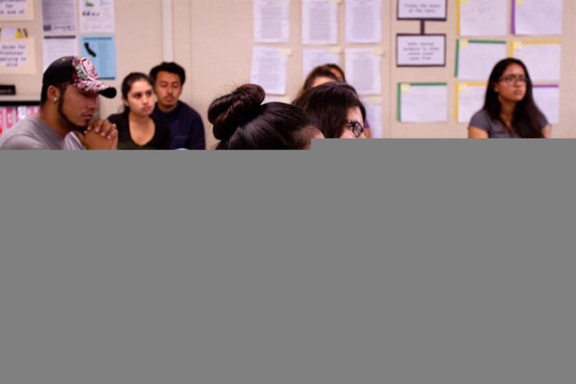Un análisis de los registros de inscripción en las universidades públicas de Oregón, un estado que ha visto crecer la población hispana de una forma acelerada en la última década, reveló que el número de alumnos latinos creció más del doble de lo que era hace siete años. EFE/Archivo