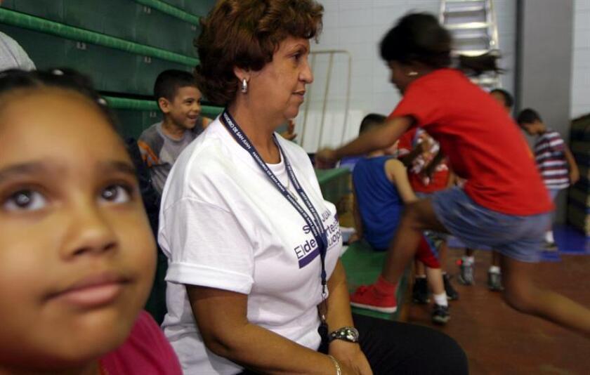En total habrán 1,092 escuelas reabiertas ya que mañana reabrirá la Escuela Luis Muñoz Marín de Barranquitas, informó hoy el Departamento de Educación en un comunicado. EFE/Archivo