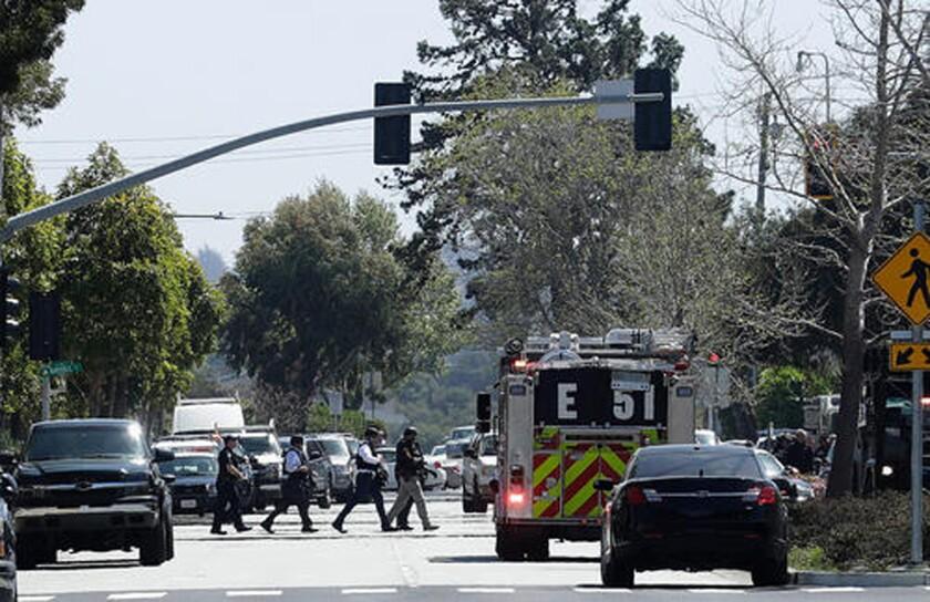 La escena frente a las oficinas de YouTube en San Bruno, California, donde se reportó un tiroteo el 3 de abril del 2018.