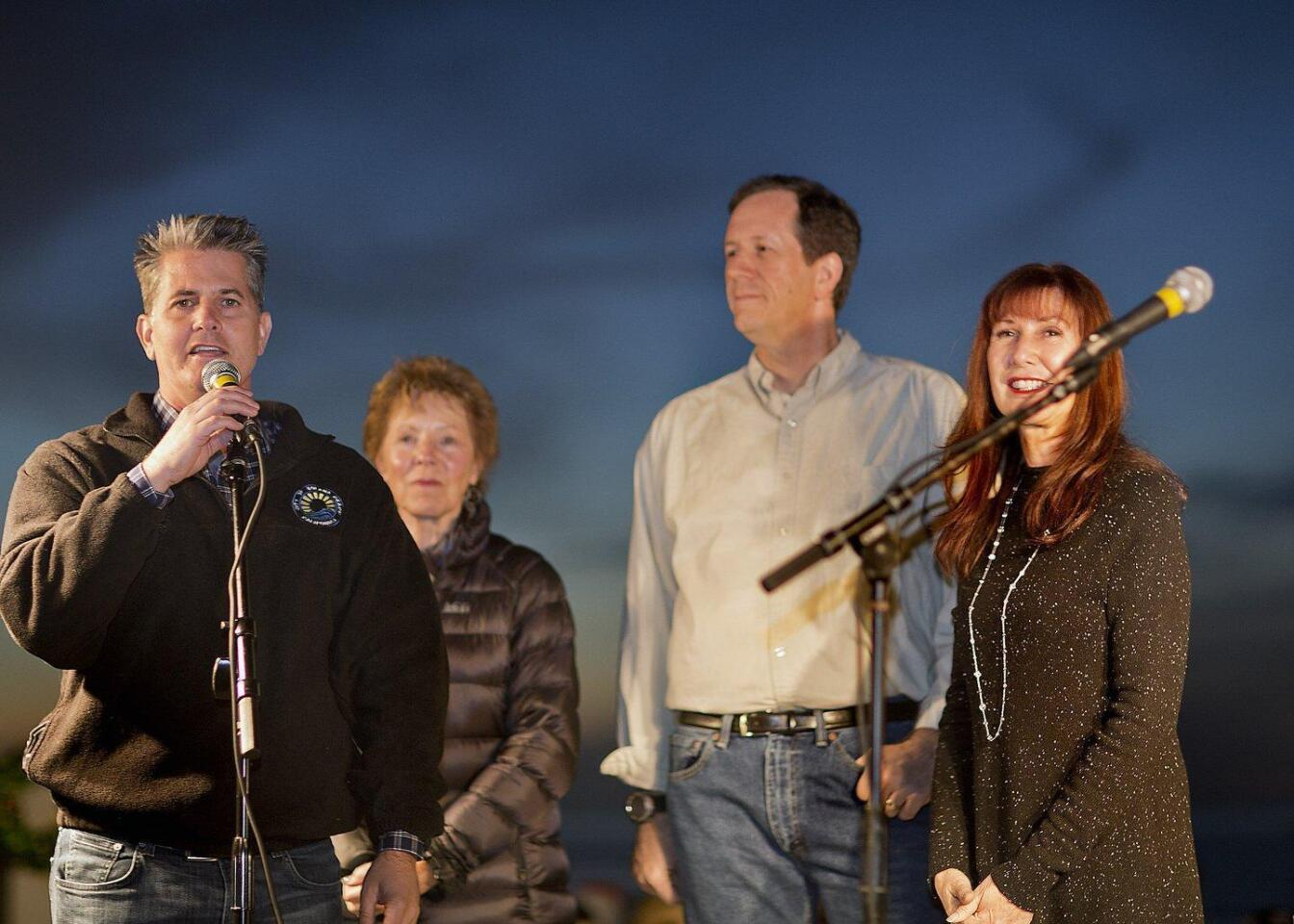 Solana Beach city council members at the tree lighting included Mayor Mike Nichols, Judy Hagenauer, David Zito, and Jewel Edson