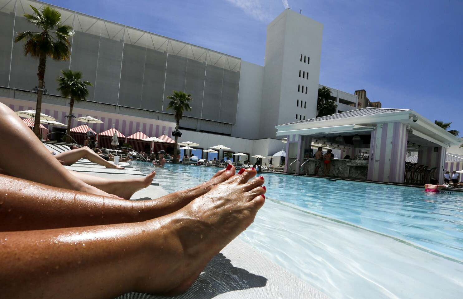 Summer Pool Season Opens In Las Vegas 11 Resorts That Rock It Los Angeles Times