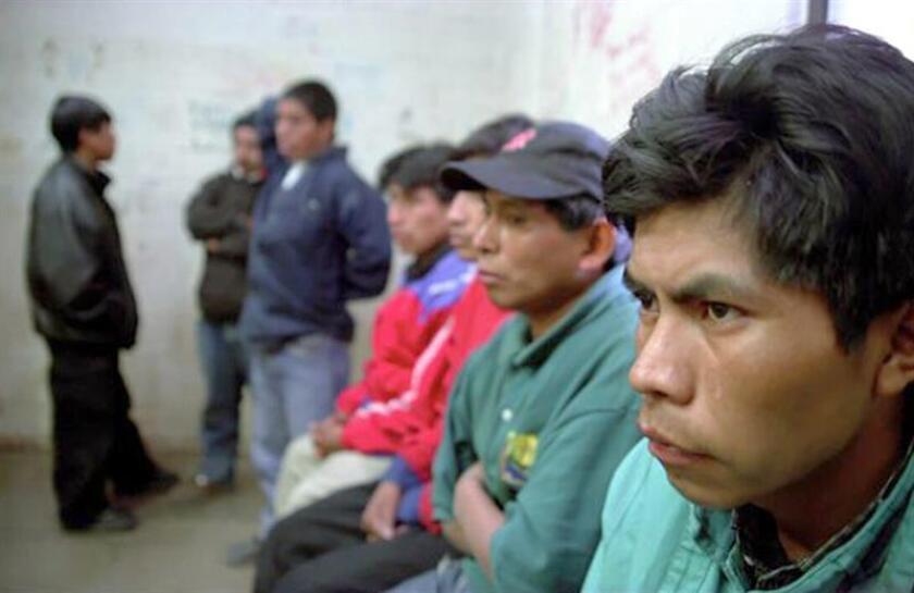 Las autoridades mexicanas encontraron 103 migrantes centroamericanos abandonados en el interior de un camión en el nororiental estado de Tamaulipas, informó hoy el Instituto Nacional de Migración (INM). EFE/Archivo