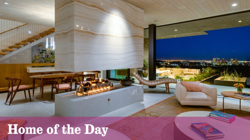 Home of the Day: Layered contemporary by Marmol Radziner