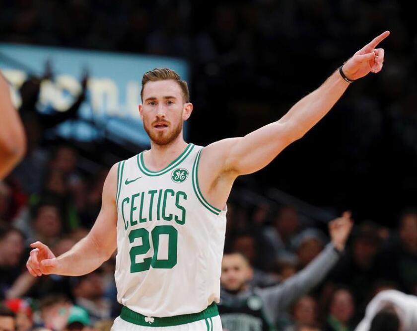 El reserva Gordon Hayward aportó 26 tantos como líder de los Celtics de Boston, que derrotaron a domicilio 109-112 a los Sixers de Filadelfia. EFE/Archivo