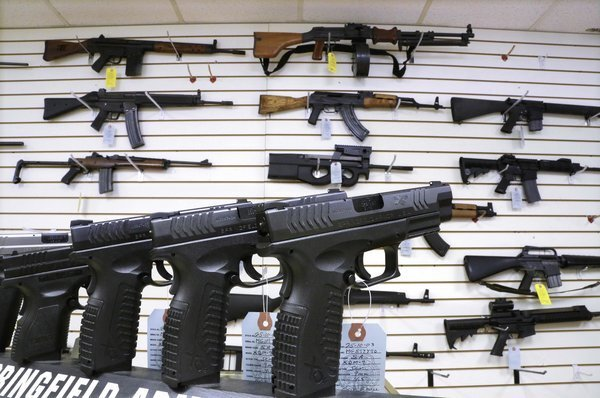 LAPD chief among nation's top cops who ask Congress to ban assault weapons