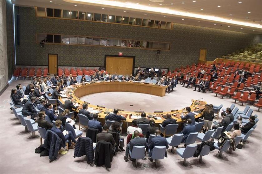 Fotografía cedida por las Naciones Unidas donde aparece el pleno del Consejo de Seguridad durante una reunión sobre la amenaza que representa el Estado Islámico (EI) para la paz y la seguridad internacionales hoy, jueves 8 de febrero de 2018, en la sede de las Naciones Unidas (ONU), en Nueva York (EE.UU.).EFE/Eskinder Debebe/ONU/SOLO USO EDITORIAL/NO VENTAS