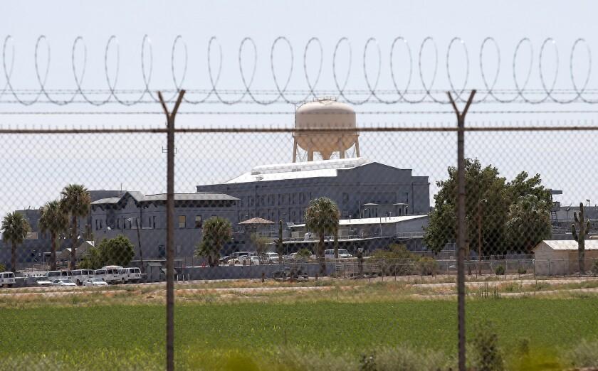 Fotografía de archivo del 23 de julio de 2014 de la prisión estatal en Florence, Arizona, en donde funcionarios de correccionales renovaron la cámara de gas del estado en diciembre de 2020. (AP Foto/Archivo)