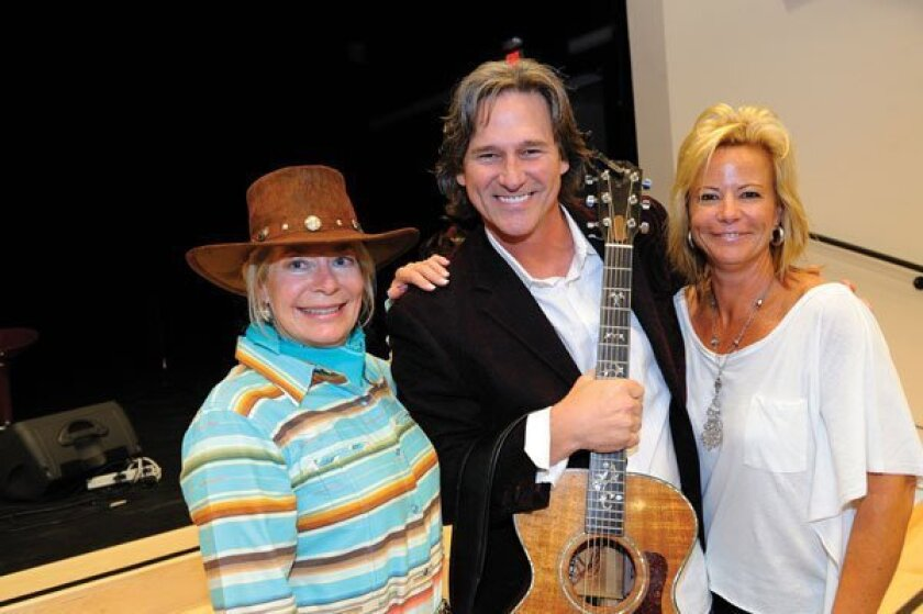 Sharon McDonald, guest artist Billy Dean, Carol Warren. Photos by Jon Clark