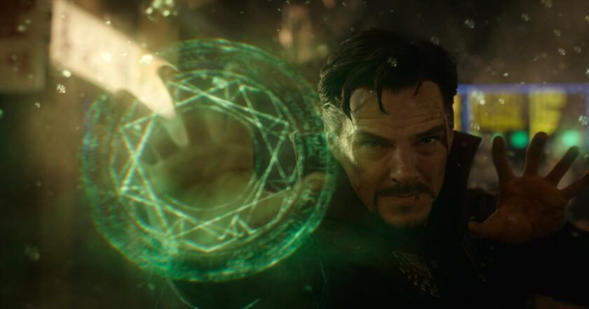 """Una escena de la película """"Doctor Strange"""", que nos presenta a un superhéroe poco conocido pero surgido también de la creatividad del legendario Stan Lee."""