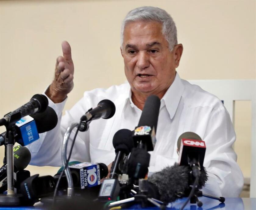 En la imagen, el presidente de la Federación Cubana de Béisbol (FCB), Higinio Vélez. EFE/Archivo