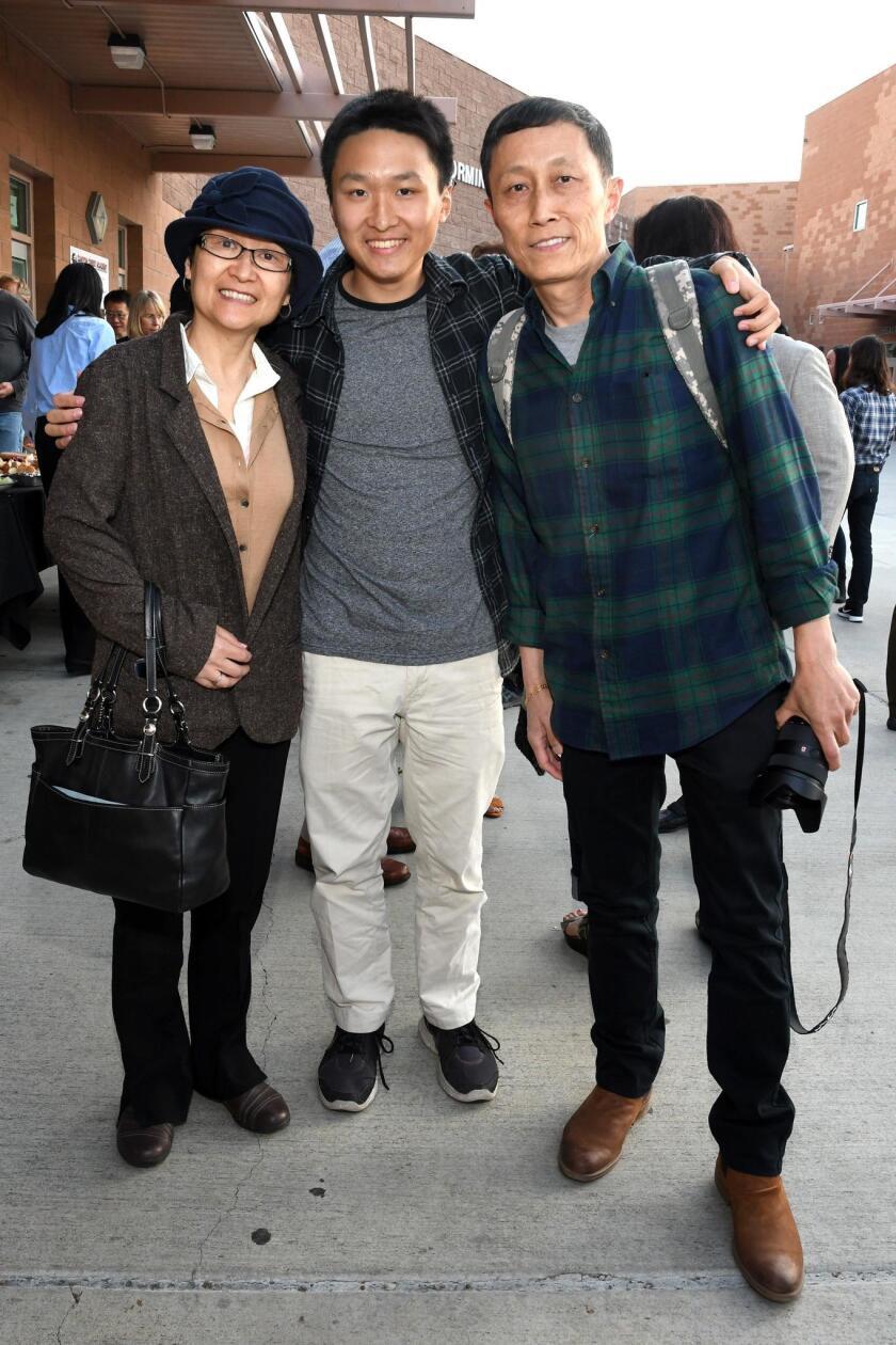 Elizabeth Tong, Andrew Zhang, Yipig Zhang