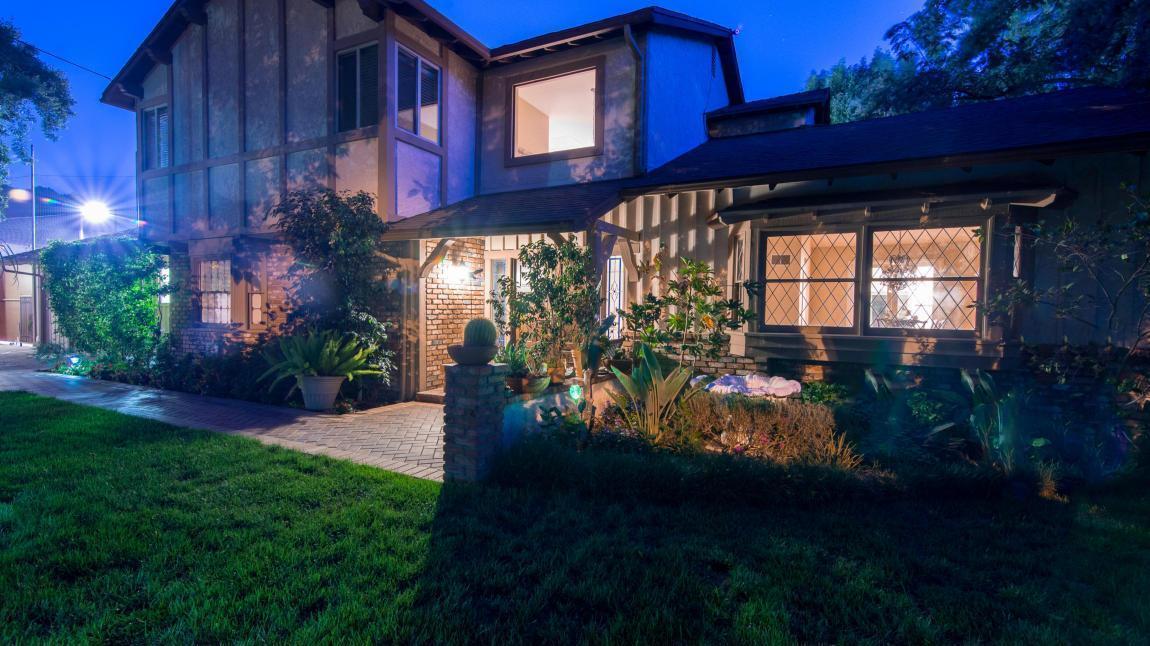 Kym Whitley | Hot Property