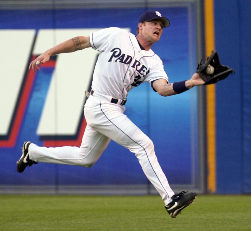 Padres outfielder Mike Darr makes a running catch in 2001.