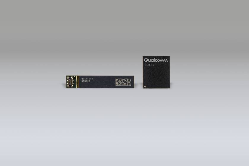 Qualcomm's 5G X-55 modem and RF front end module.