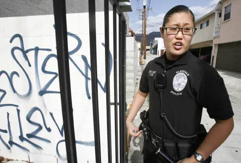 Number of female Glendale police officers still lags - Los