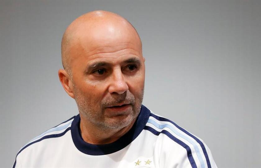 En la imagen, el entrenador argentino Jorge Sampaoli. EFE/Archivo