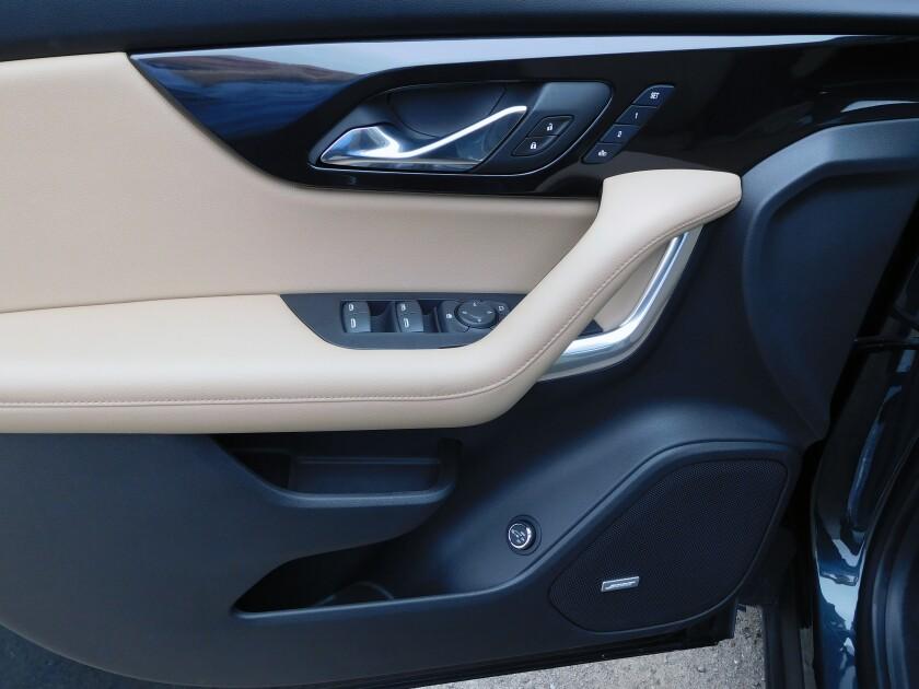 Chevrolet Blazer-7-DoorPanel.jpg