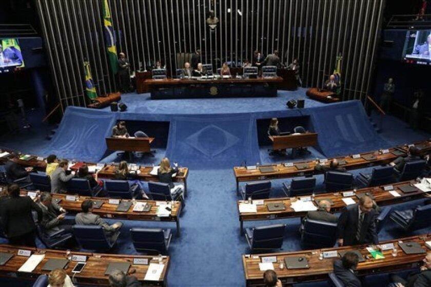 El Senado de Brasil comienza a deliberar si retirará permanentemente a la presidenta suspendida Dilma Rousseff de su puesto, en Brasilia, Brasil, el martes 30 de agosto de 2016.