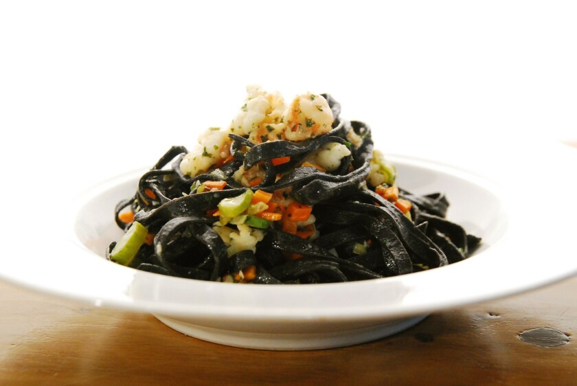 Black tagliolini