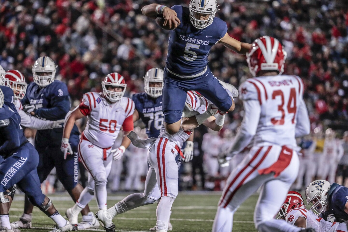 LOS ANGELES, CA, SATURDAY, NOVEMBER 30, 2019 -Mater Dei-St. John Bosco football in Southern Section Division 1 championship game at Cerritos College. (Robert Gauthier/Los Angeles Times)