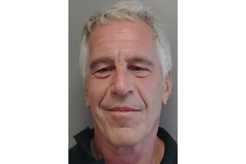 Hasta su condena por delitos sexuales en el 2008, Epstein era un supuesto multimillonario bien conectado.