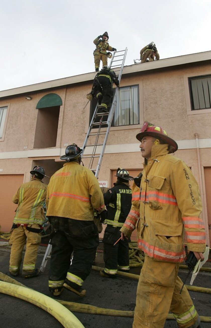 Nobody was hurt in a late afternoon fire in the 1000 block of West San Ysidro Boulevard when a flames and smoke where reported coming from the roof of the apartment complex located there. Firefighters from San Diego and Chula Vista extinguished the blaze.