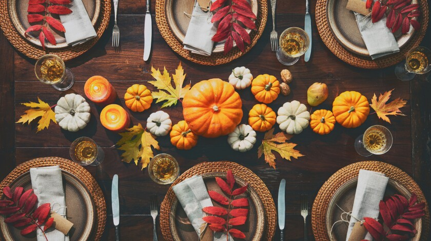 Festive Thanksgiving table arrangement