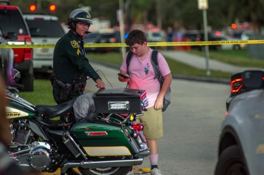 Dos personas, un hombre y una mujer, murieron y otra resultó herida en un tiroteo ocurrido en la madrugada de hoy en una calle de Miami, en el sureste de Florida. EFE/Archivo