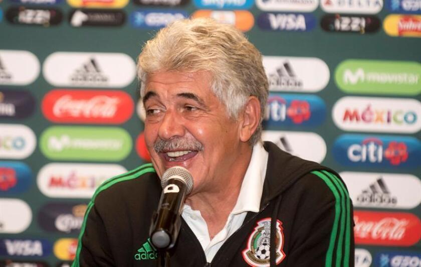 El brasileño Ricardo Ferretti, entrenador de los Tigres mexicanos, aseguró este lunes haberse anticipado al español Pep Guardiola en la estrategia de la posesión de balón como sello distintivo de sus equipos. EFE/Archivo