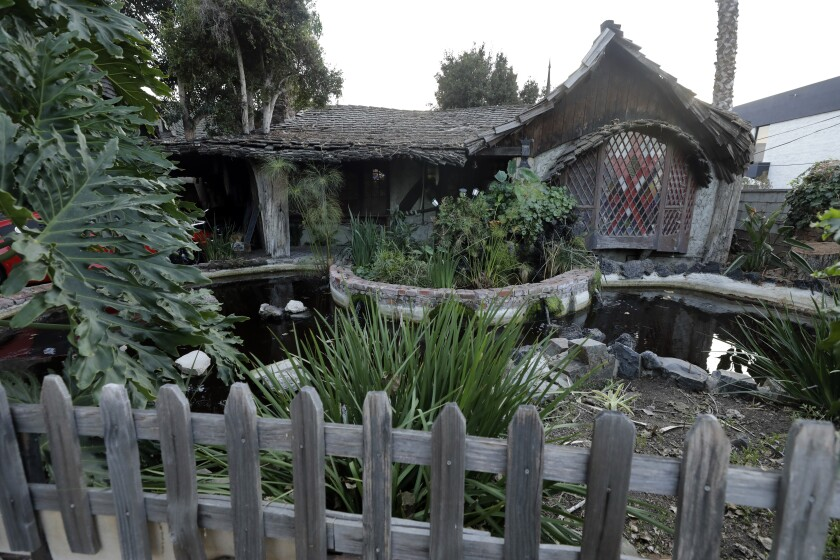 Hobbit House and apartments in Culver City