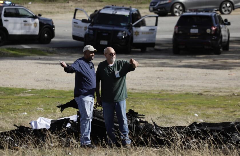 Light aircraft crash in Santa Clarita