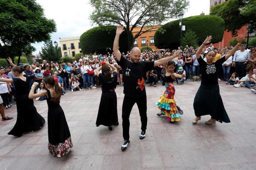 El bailaor Juan Paredes saca el flamenco a las calles de Querétaro